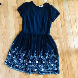NWT. Miami / Francesca's size M embroidered dress